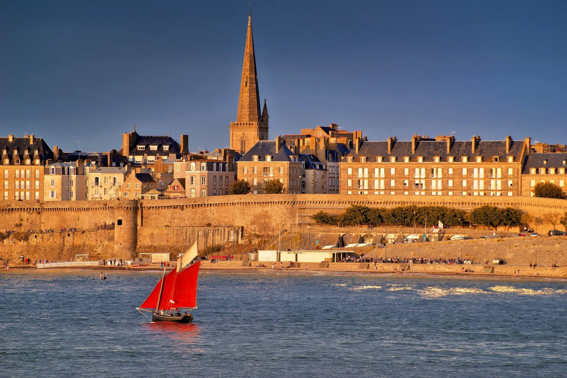 Virtual Trip to France - Visit Brittany!